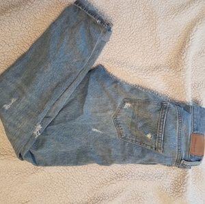 Womens size 0 American Eagle Mom Boyfriend Jeans